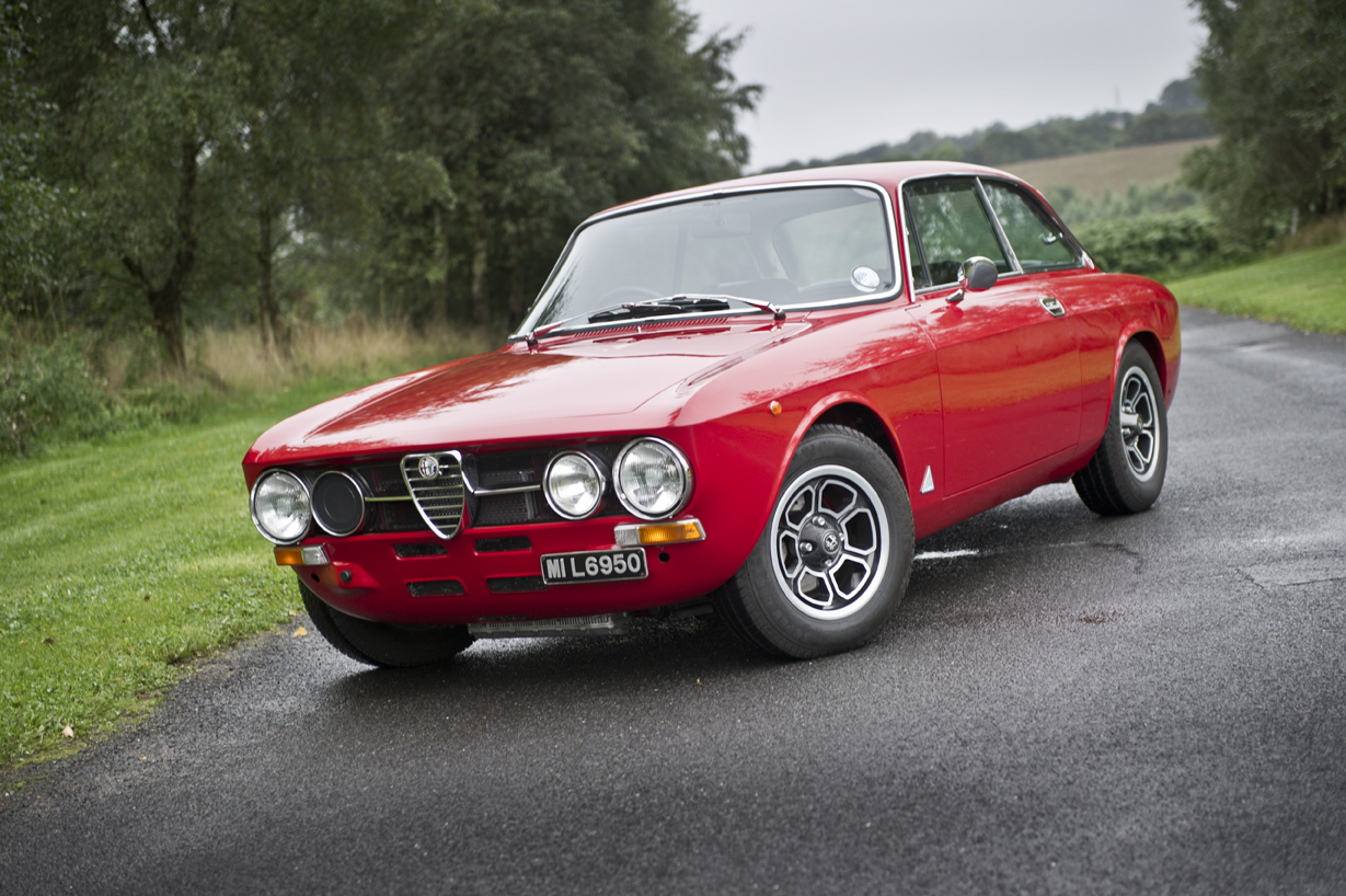 Alfa Romeo 2000 GTV on Momo Vega Wheels